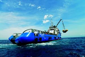 IXV_hoisted_aboard