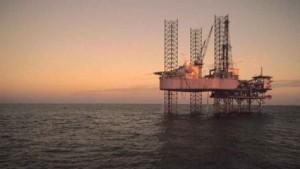 img1024-100_homeeviden_700_dettaglio2_petrolio-piattaforma