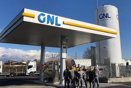 GNL 'STRADALE': IN ITALIA E' RECORD DI DISTRIBUTORI MA I CAMION ANCORA NON BASTANO